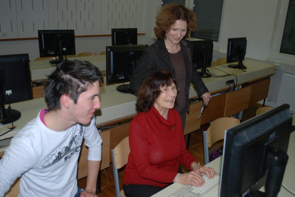Projekt: Internetni natečaj – učenje strojepisja za starejše