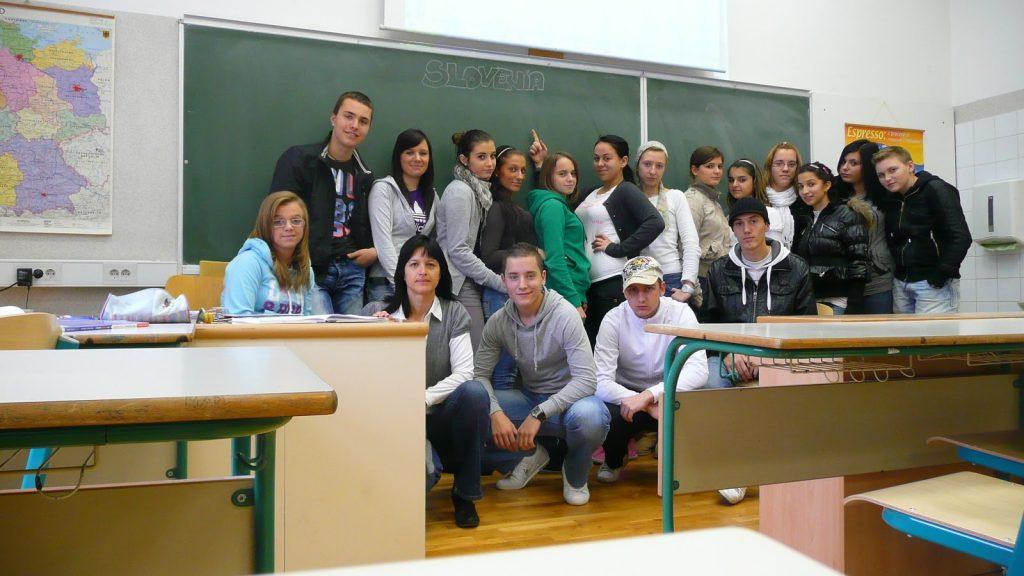 Mednarodni iEarn projekt: Debunk stereotypes